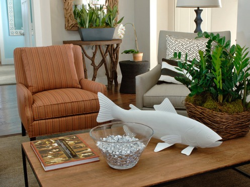 living room stripy chair white fish coffee table