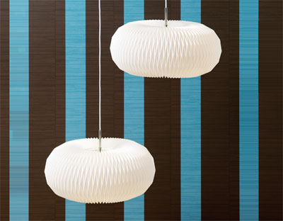 retro moder white lamps, wall paper stripes brown and blue