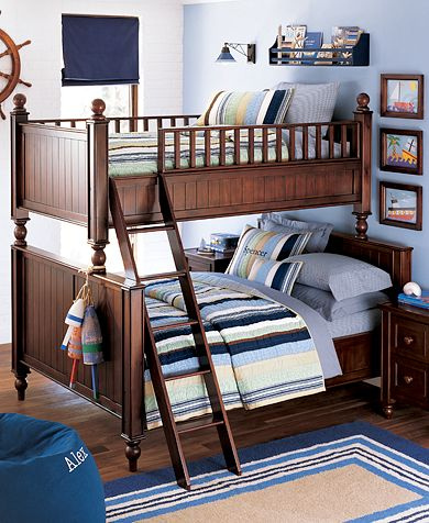 nautical style interior Bunkbeds brown, blue white beige