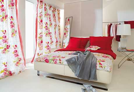 romantic roses red and white modern country bedroom