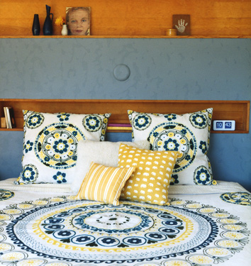 white blue aqua and yellow bedroom bedsheets