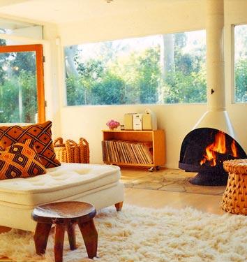 modern minimalistic kozy living room lounge retro fireplace