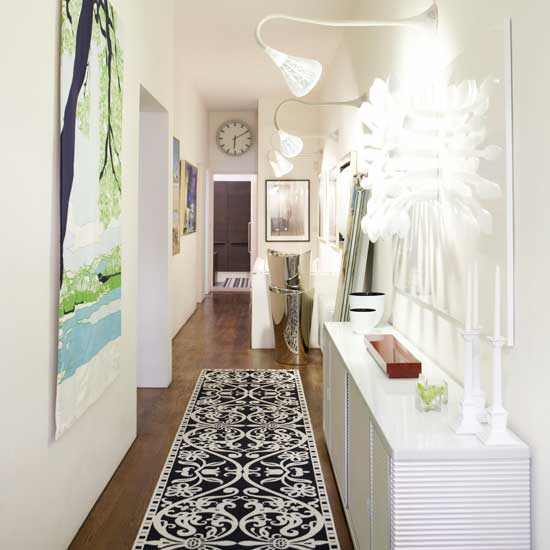 wallpaper ideas for hallways. The patterned wall paper is