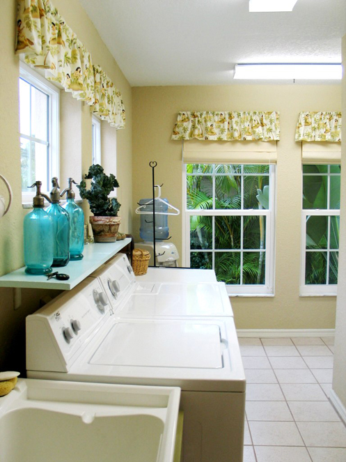 beige and white coastal home laundry room