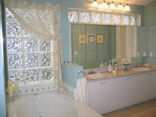 blue and white coastal home master bathroom
