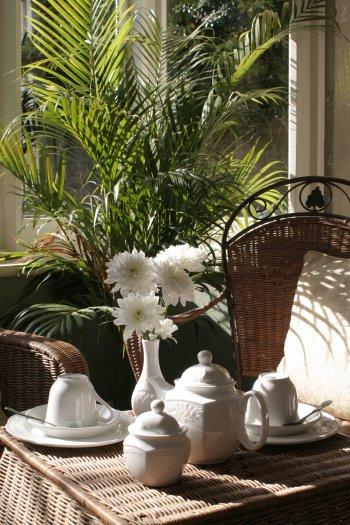rattan furniture white vase