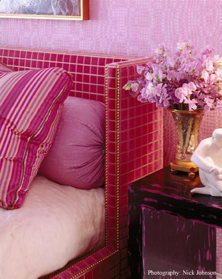 hot pink bed closeup
