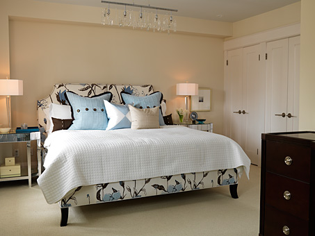 creme and blue bedroom