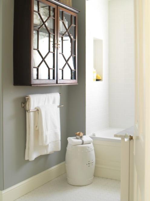 bathcabinet grey and white bathroom